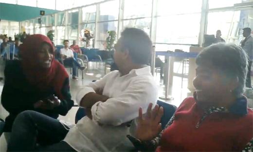 Vikram Hegde heckled at airport