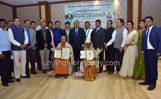 Vandana-Award.JP