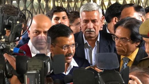 Delhi-tense-ke...
