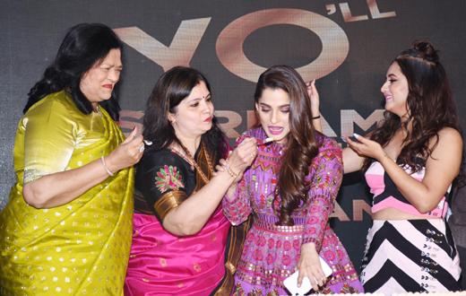Hangyo 'YO' brand of ice cream in Mumbai