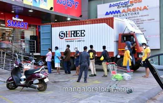mangalore market rush