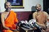 Admaru Mutt senior seer hands over power to jr seer