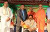Sports writer Jagadeesh Anchan receives Janapada Loka award