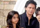 Find a boyfriend like me, Shah Rukh Khan tells daughter
