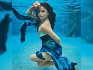 Alia Bhatt is too hot to handle in these underwater photos