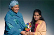 17-year-old becomes 1st Indian to win 'Changemaker award' for fighting child marriage