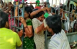 Near-stampede in Andhra Pradesh market in rush for Rs 25-a-kilo onions