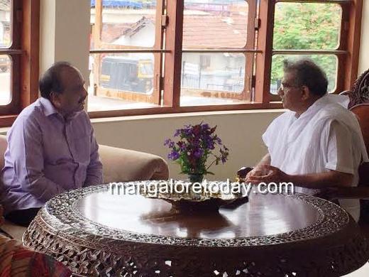 Former BJP minister Janardhan Reddy visits Dharmasthala