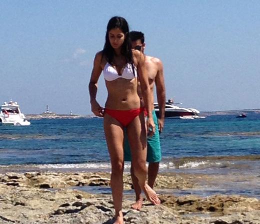Nutiy spain beaches girls