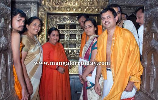 Union Minister for Water Resources Uma Bharathi is in Udupi for the Paryaya festivities of her Guru Sri Vishwesha Theertha Swamiji of Pejawar Mutt.